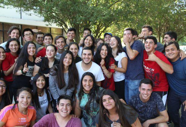 Estudiantes de Agronomía reciben a Generación Centenario