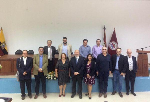 Académico de Agronomía invitado a exponer en seminario internacional realizado en Ecuador